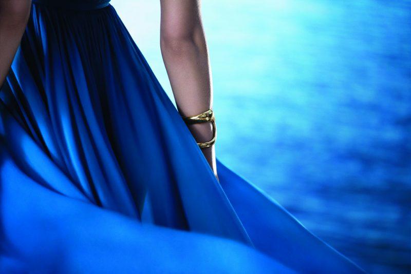 blue-escapade-avec-les-parfums-elie-saab 2