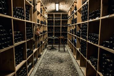 crocs-des-halles-cave-vins 2