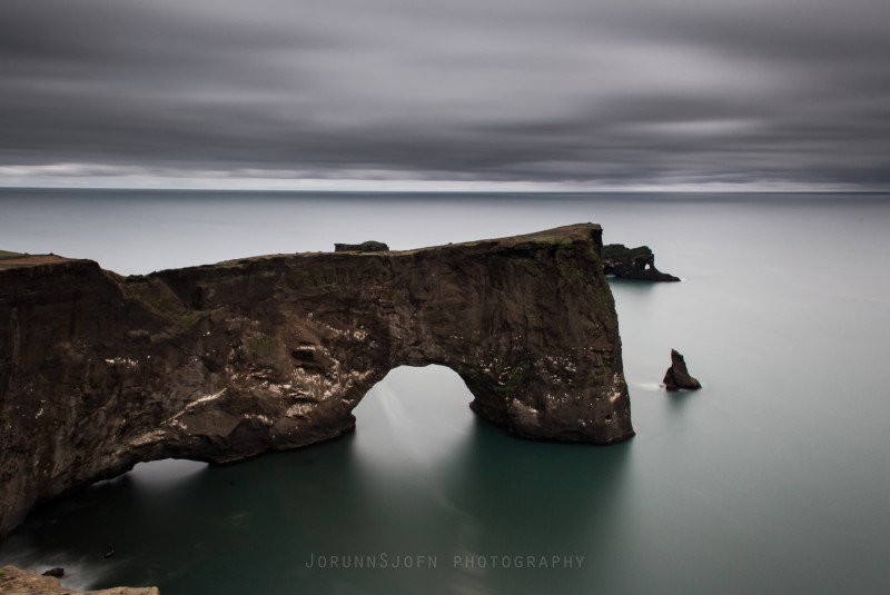 dyrholaey-the-arch-with-the-hole-1