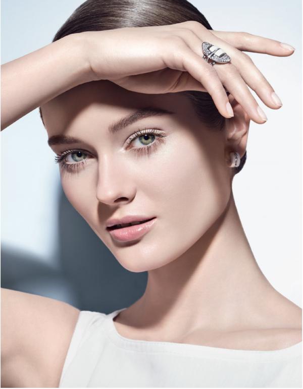 Chanel-uv-essentiel