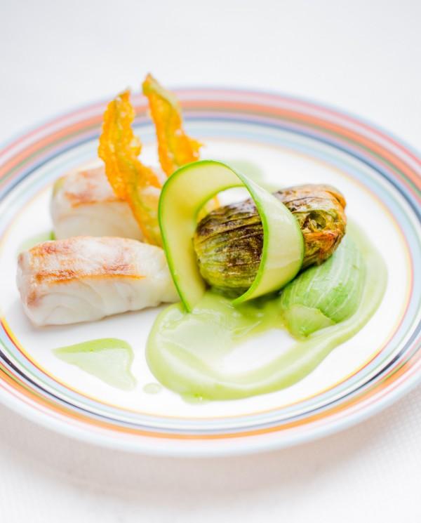 meurice-paris-restaurant-le-dali-daurade-plancha-courgette-violon-fleur-farcie-pierre monetta