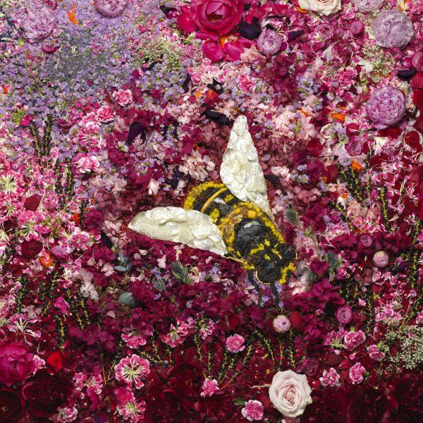 guerlain-exposition-matieres-Bee-Vik-Muniz