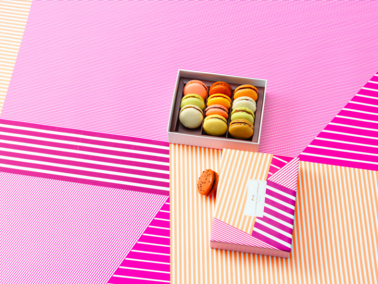 maison-du-chocolat-macarons-coffret-bayadere-ambiance
