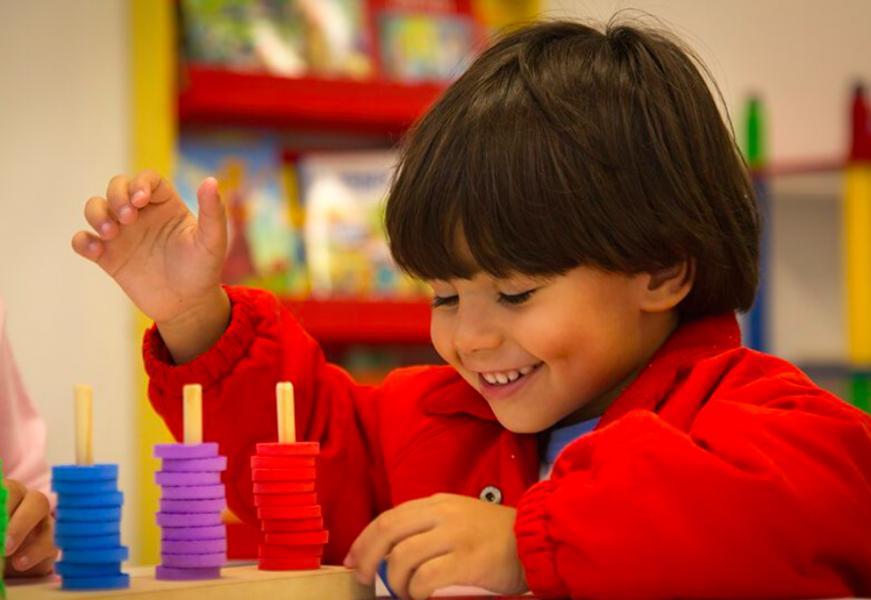 partagez-votre-amour-pour-rio-omega-#omegavivario-projet-n°2-apporter-de-la-joie-aux-jeunes-enfants