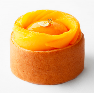 plaza-athenee-angelo-musa-patisseries-rollcake-mangue