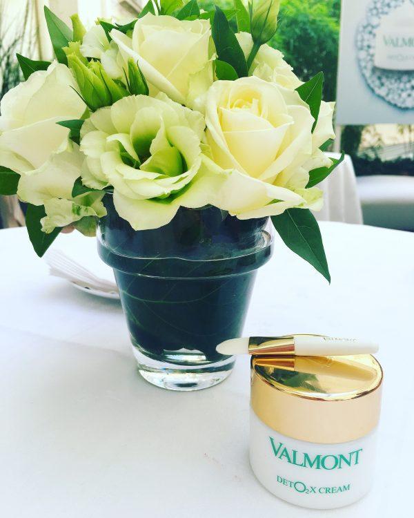 valmont-bouffée-oxygène-peau-Deto2x-Cream-pinceau