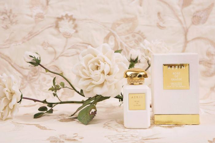 aerin-hommage-beaute-intemporelle-roses-rose-de-grasse