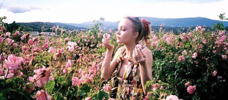dans-les-champs-de-chanel-grasse-lily-rose-depp 2