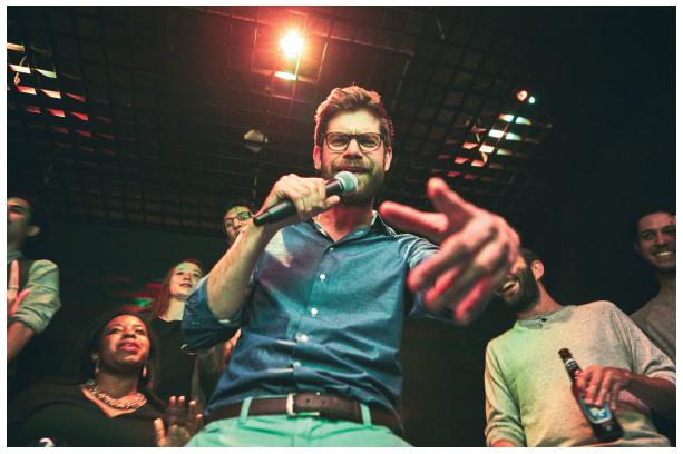 avec-le-bam-le-karaoke-cest-branche-enseigne-bande-amis