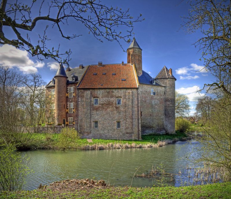 halloween-10-destinations-chair-poule-chateau-waardenburg-pays-bas