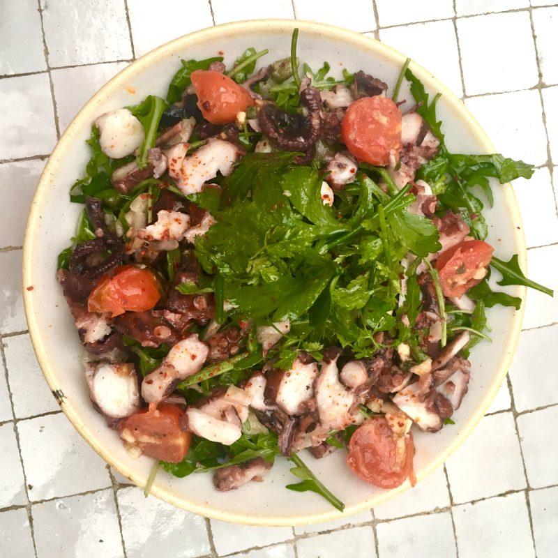 polpo-un-nouveau-spot-sur-leau-paris-salade-poulpe