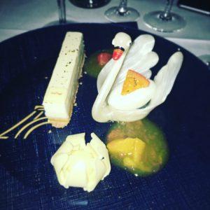 paris-merveilles-nouvelle-revue-lido-dessert-cygne