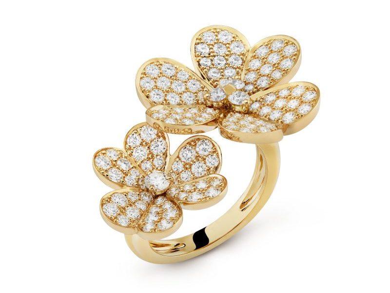 van-cleef-arpels-met-dhumeur-frivole-bague-entre-les-doigts-or-jaune-pavé-diamants
