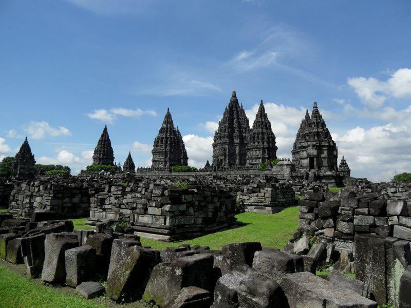 saveurs-et-reflets-indonesie-lhonneur-prambanan-temple-java