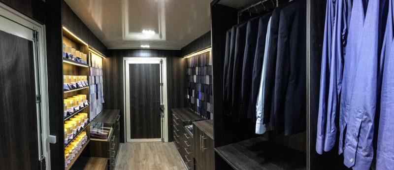 tailor-trucks-boutique-mobile-costumes-interieur