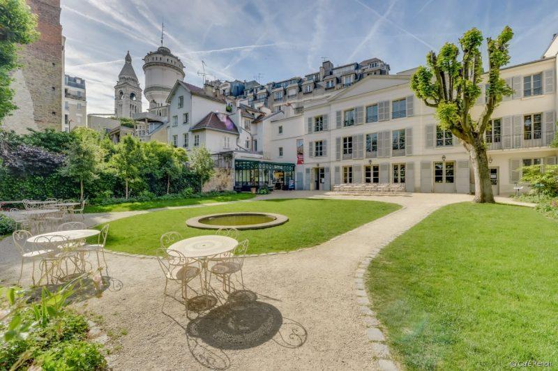 cafe-renoir-coin-de-paradis-dans-paris-jardins-musee-montmartre