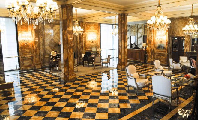 hotel-crillon-accueille-barbiere-paris