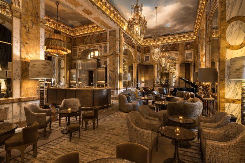 hotel-crillon-accueille-barbiere-paris-les-ambassadeurs