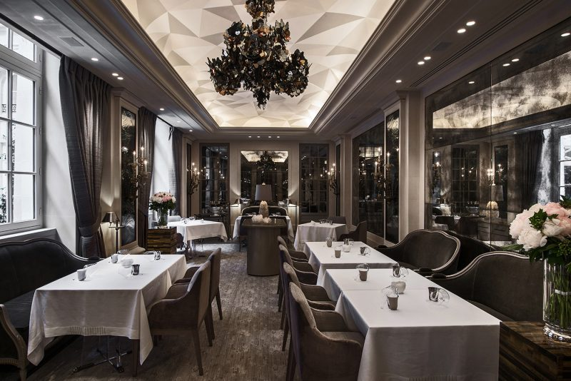 hotel-crillon-accueille-barbiere-paris-restaurant-lecrin