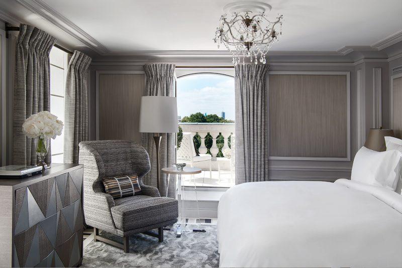 hotel-crillon-accueille-barbiere-paris-suite-bernstein
