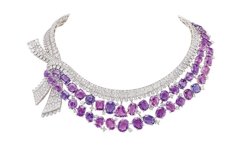 van-cleef-arpels-devoile-lart-du-secret-collier-message-des-hirondelles