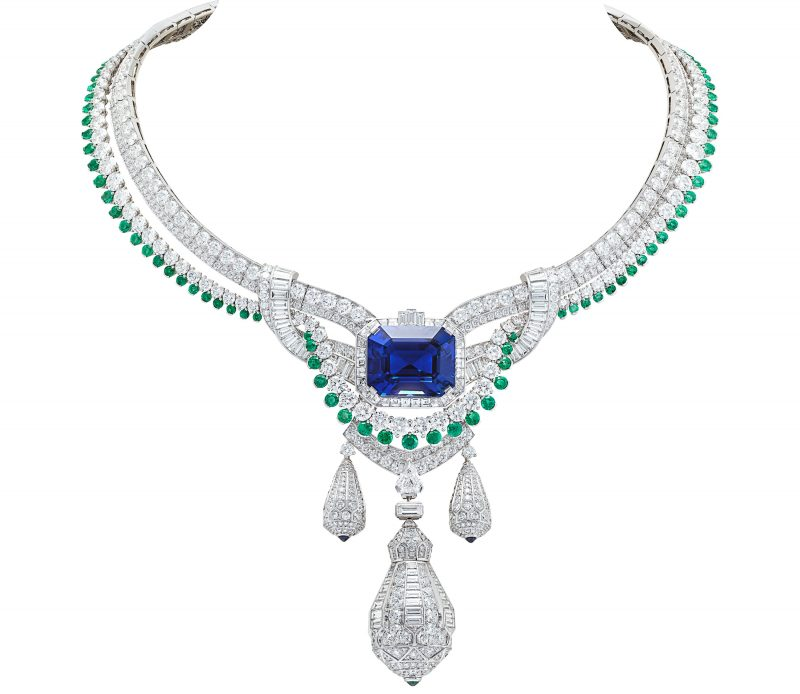 van-cleef-arpels-devoile-lart-du-secret-collier-pegase 2