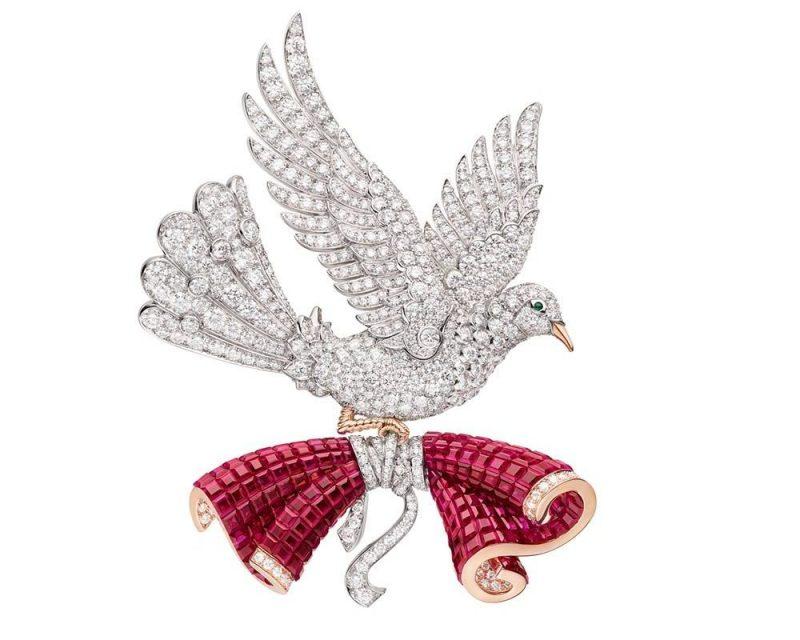 van-cleef-arpels-devoile-lart-du-secret-colombe-mysterieuse