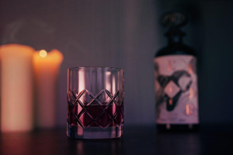 h.-theoria-presente-liqueurs-effrontees-verre 2