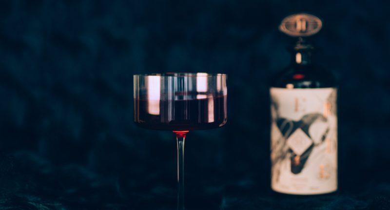 h.-theoria-presente-liqueurs-effrontees-verre 3