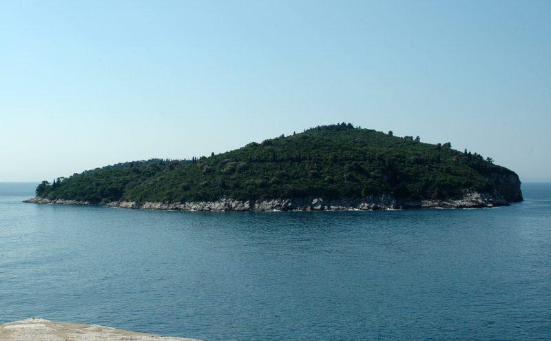 L'île de Lokrum vue depuis le vieux port