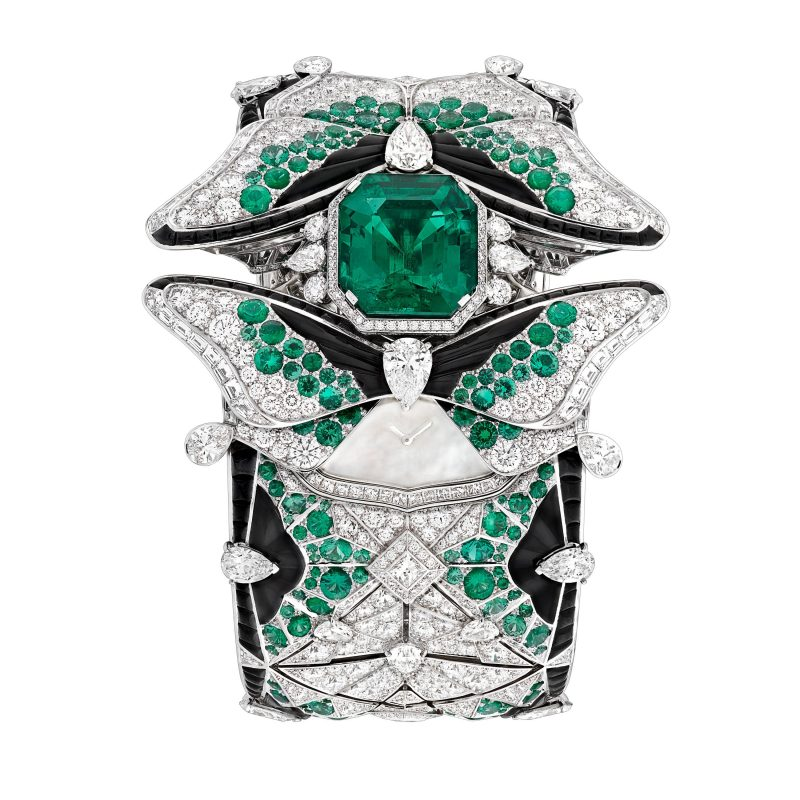 van-cleef-arpels-devoile-lart-du-secret-montre-papillon-secret 3