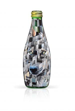 perrierxwild-celebre-cote-sauvage-vie-bouteille-loup-jour-face-2