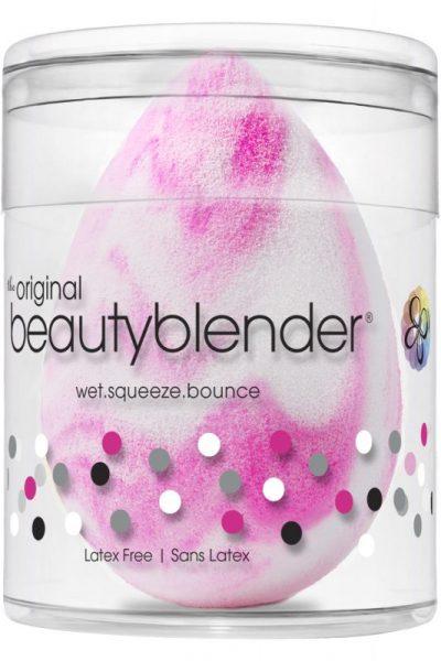 3-conseils-beaute-signes-meghan-markle-beauty-blender-swirl