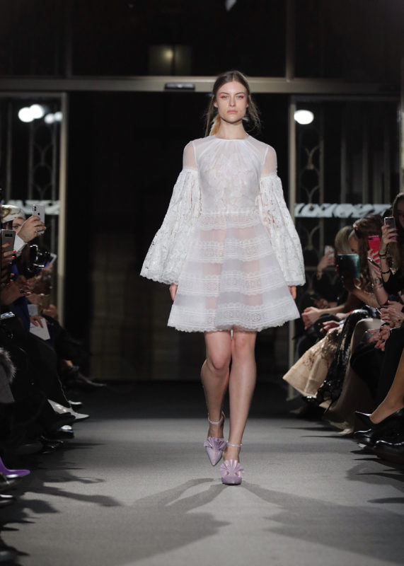 breves-fashion-defile-dany-atrache-ss18 10