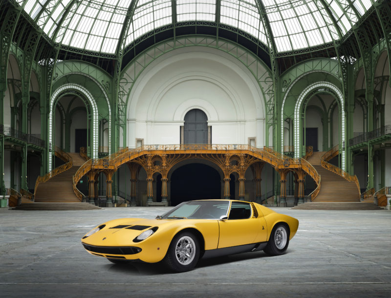 des-voitures-de-collection-aux-encheres-lamborghini-miura-grand-palais