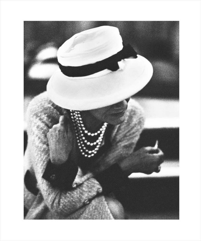 expo-in-fashion-royal-montceau-paris-Coco-Chanel portrait-by-Douglas-Kirkland