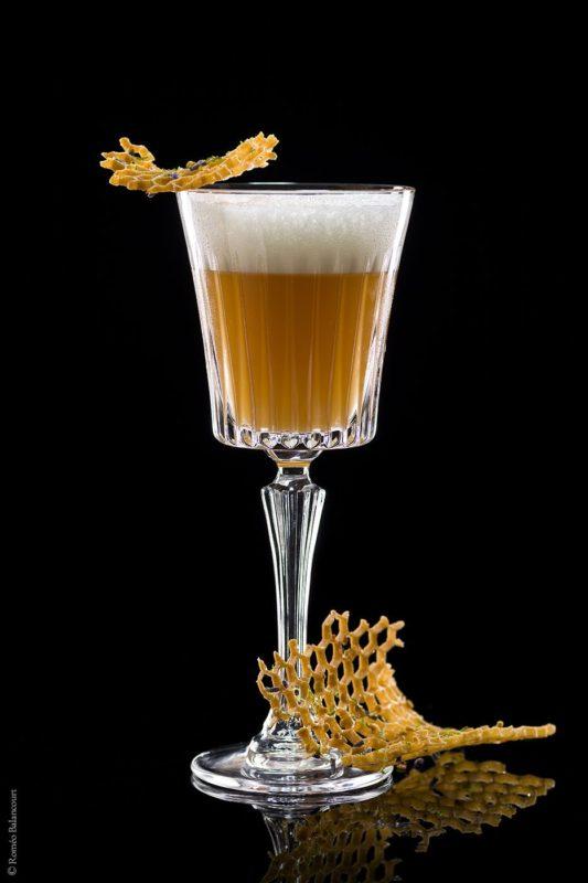 lart-de-la-mixologie-au-bar-botaniste-bumble-bee