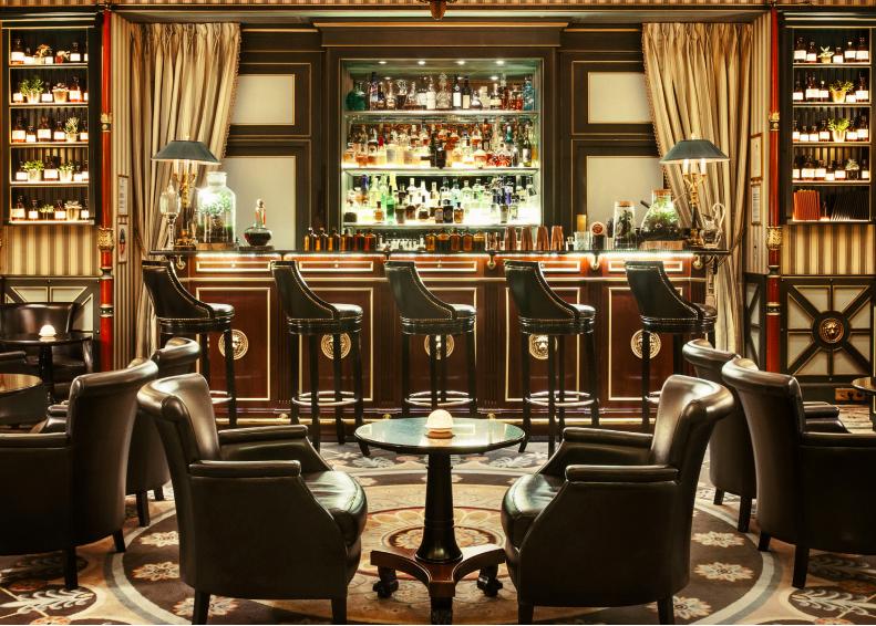 lart-de-la-mixologie-au-bar-botaniste-shangri-la-hotel-paris